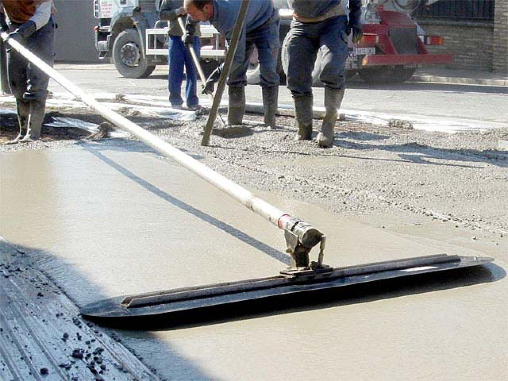 приспособление для выравнивания бетона